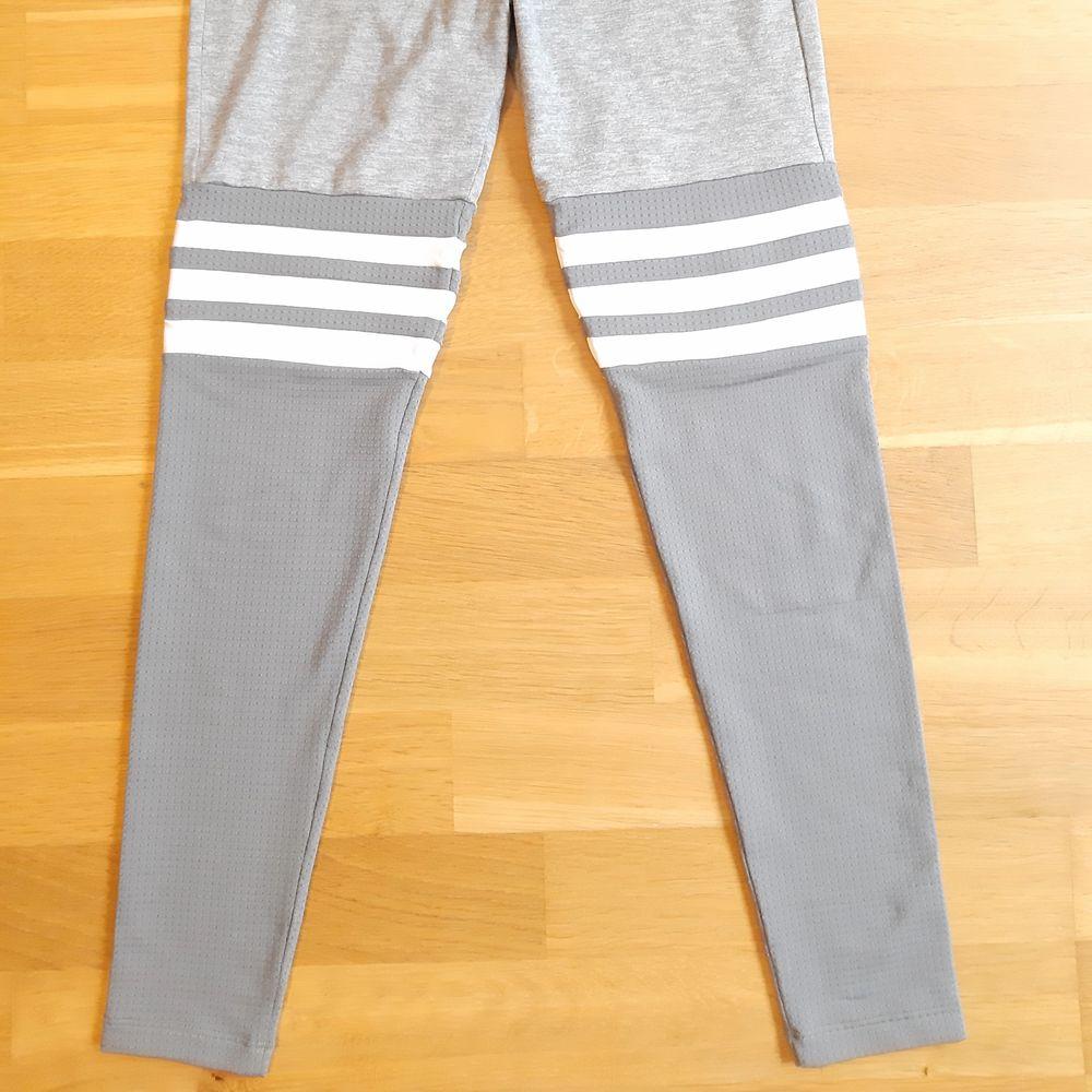 Säljer leggings från Bombshell sportswear i storlek S. Pris. 450kr + frakt. Betalning sker via Swish. Jag skickar med posten. Referenser finns från mina tidigare köpare. Skicka PM vid intresse. ♡. Jeans & Byxor.