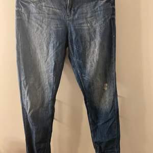 Mina gamla boyfriend jeans som inte passar mig längre 🥺