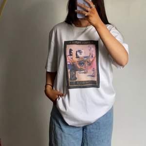 Nästan aldrig använd men as snygg oversize t-shirt