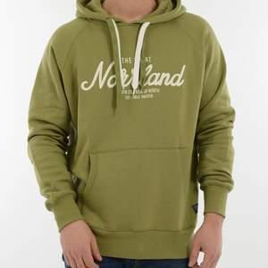 Säljer denna hoodie pga kommer inte till användning, använd få gånger så den är i fint skick💚 köparen står för frakt 📦