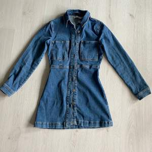 Sååå fin jeansklänning från NAKD. Använd 1 gång