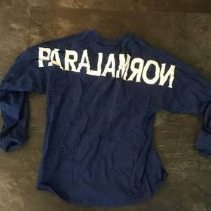 Vailent långarmad blå tröja köpt på Carlings för några år sedan. I storlek L men lite stor modell