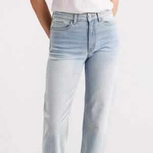 Jeans i modellen Nea från Lindex i storlek 36. Inte mina bilder utan det är bara att fråga så kan jag skicka på det paret jag har :)
