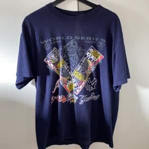 Skit snygg vintage tshirt jag köpte i rom för ett tag sedan, kommer ej till användning längre.