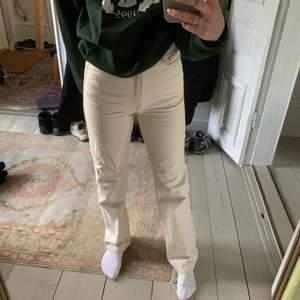 Raka vita jeans