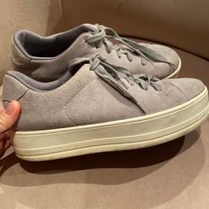 Platå skor från even odd. Använda typ 3 gånger. Nypris ca 500kr