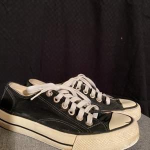 Svarta vagabond sneakers (liknande converse) i mycket bra skick!