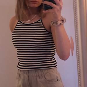 Topp/linne, knappt använt. perfekt till vår & sommar! (+frakt)