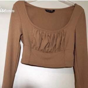 Jätte fin tröja från shein säljer pga av att den är lite för stor.