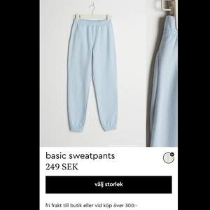 Har använt en eller två gånger säljer för att rensar garderoben och har samma i vit bor i Karlstad om du vill mötas upp☺️priset va 100 kr men har sänkt nu till 30 kr:) fajten kostar 62 kr