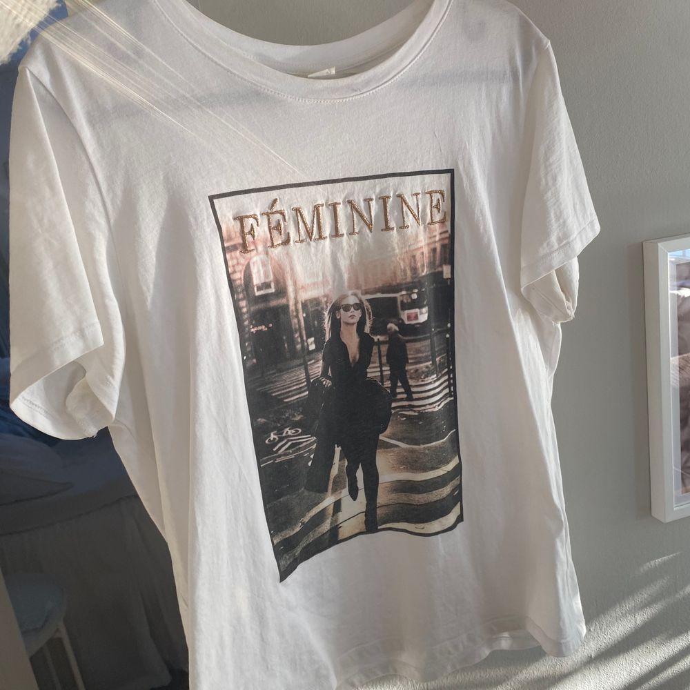 Från h&m, skitsnygg till allt. T-shirts.