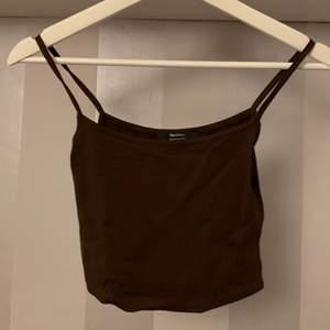 Brunt linne ifrån bherska skick 10/10 köparen står för frakt 💕