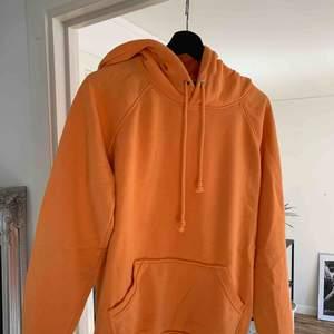 Orange hoodie från BIKBOK. Strl S.