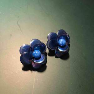 Superfina, gulliga och unika örhängen
