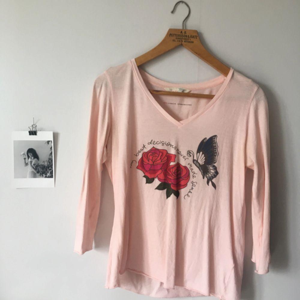 Säljer en Odd Molly tröja som aldrig är använd! . Tröjor & Koftor.