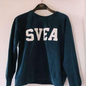 Marin blå Svea tröja