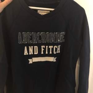 Fin tröja från Abercrombie&Fitch. Knappt använd. Storlek:M. Köparen står för frakten. Fraktar endast