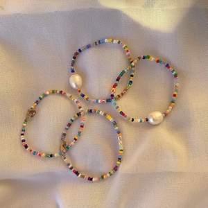 Säljer jättefina handgjorda smycken. Kontakta mig för egen beställning🌼