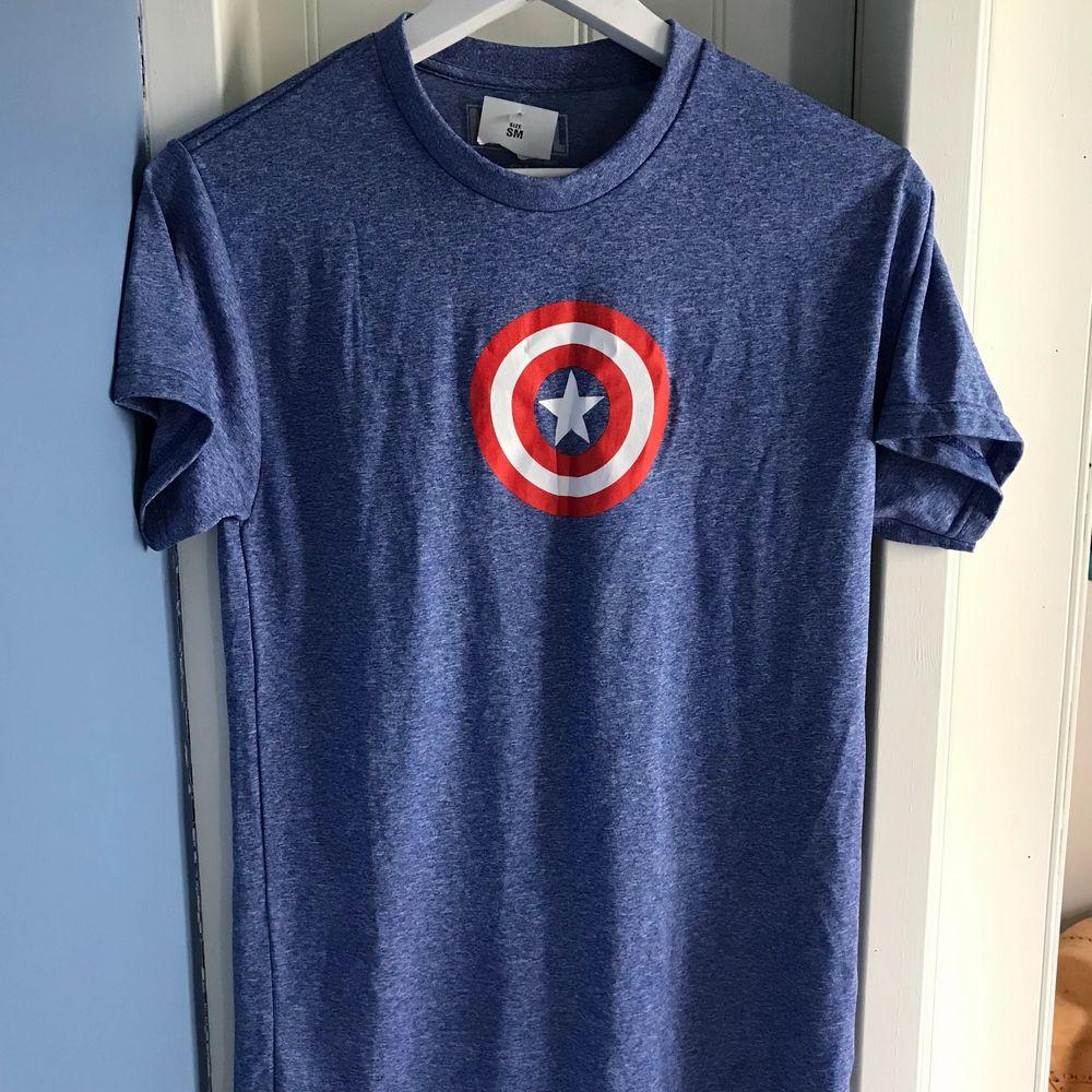Capitan America tshirt Marvel , ny ! Hämta hos mig elller jag kan skicka . T-shirts.