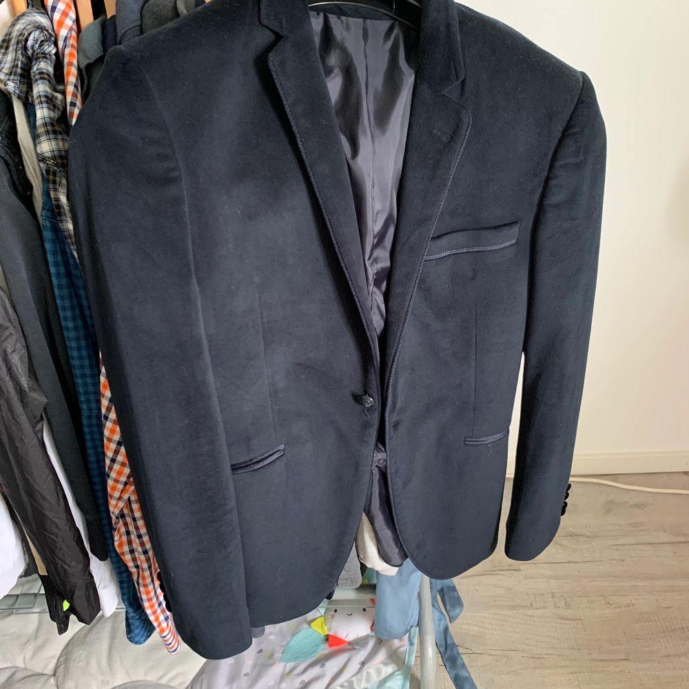Marinblå Kavaj oanväd i str s, . Kostymer.