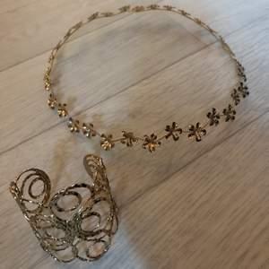 Superfint armband och krans i guld som endast är använt en gång. Säljer båda för 70kr och var för sig för 50kr. Frakt ingår inte i priset.🥰