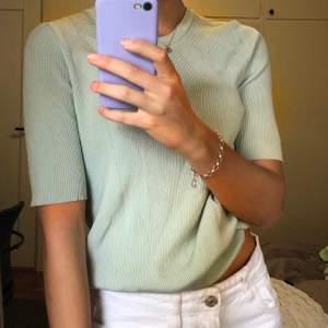 Jättesöt tröja från Carin Wester, mer mintgrön i verkligheten!💕