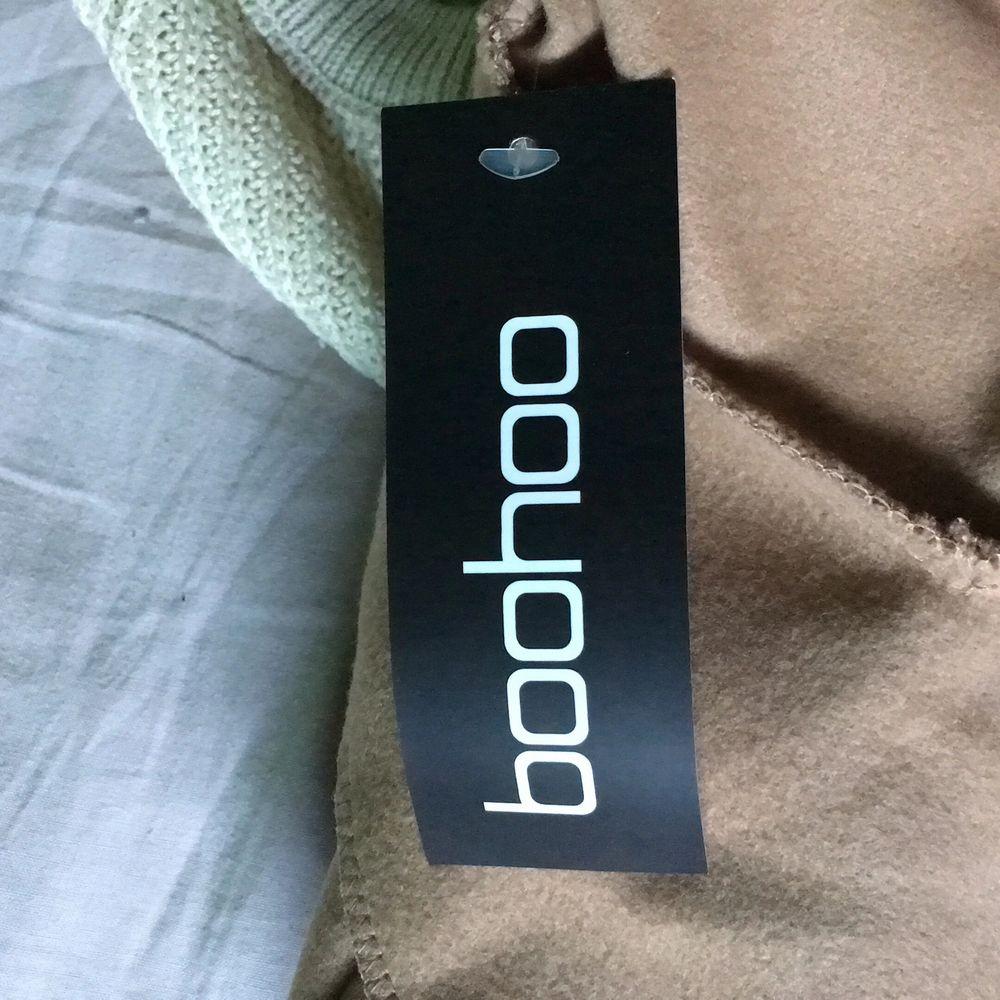 Kappa från Boohoo, säljer eftersom den inte passar min stil. Original pris 360kr . Jackor.