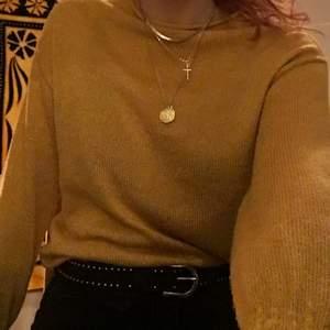Stickad tröja och halsband, 430 kr totalt inklusive frakt😊endast swish