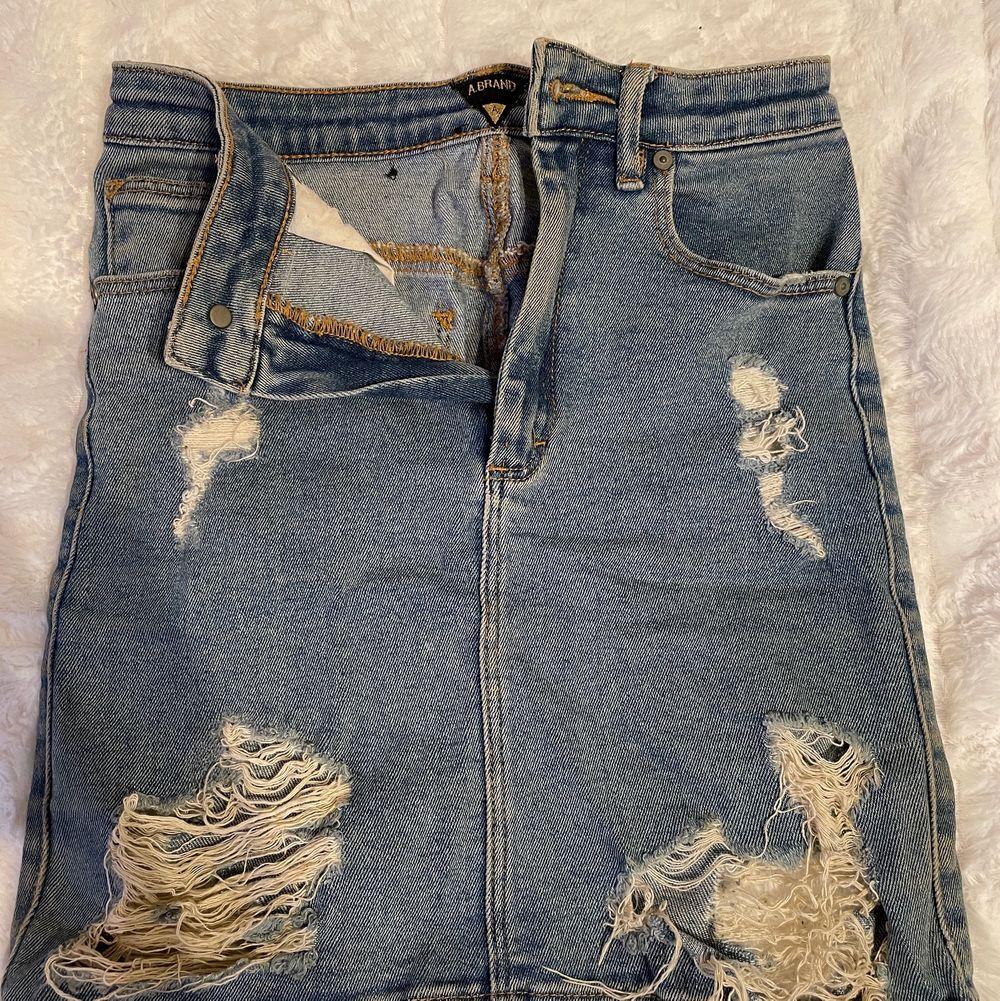 Used skirt. Super nice fit. XS/S. Kjolar.