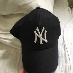 Yankees keps, marinblå
