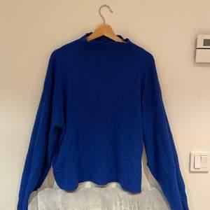 Blå chill tjocktröja från HM💙i storlek L och har jättefin passform! 70kr