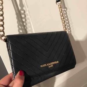 Väska från Karl Lagerfeld