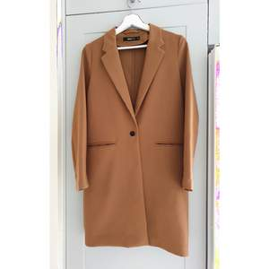 Trench coat from GinaTricot, size 34. In a perfect condition.