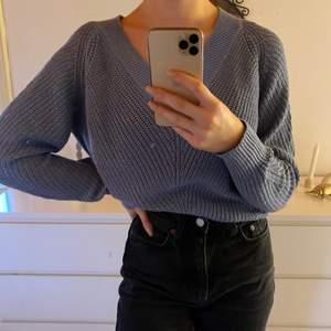blå stickad tröja, superfin med skjorta under!💙