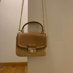 Söt sommarväska från H&M.