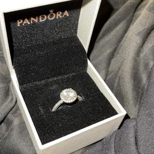 Brand new real Pandora ring. Size 52. Selling because the size is too big for me and I got a new one. Original price 749kr