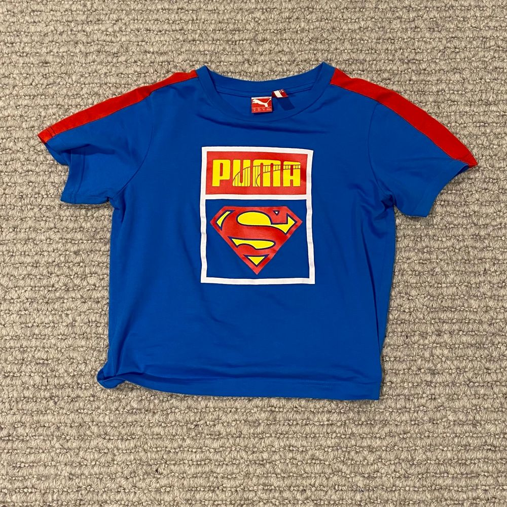 T-shirt från Puma. Köpt second hand men ser helt ny ut!💓. T-shirts.