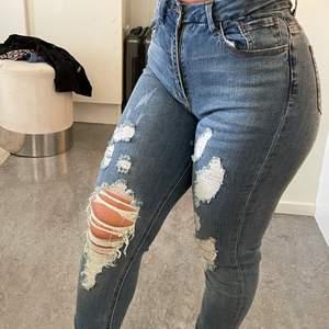Jätte fina jeans, använda en gång då dom är lite för långa på mig, jag är 158 cm