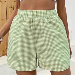 Väldigt fina och sköna shorts som aldrig är använda!! Frakt 36kr. HÖGSTA BUDET:110kr. Varan är INTE SÅLD förens det står såld på annonsen!