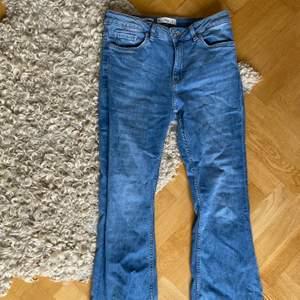 Bootcut Jeans från Mango storlek 40, lite små i storleken :)
