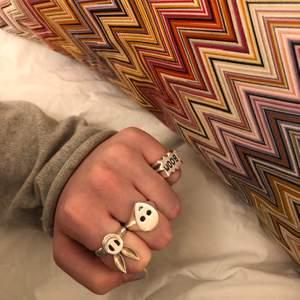 !Intresse koll på min fina ring ifrån purple pesto!❤️ nypris är 750kr. Den är i äkta silver. Buda gärna i kommentarerna
