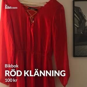 Helt ny klänning i från bikbok i storlek xs, nypris 300, mitt pris 100kr🥰