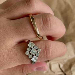 Säljer dom här två ringarna för 15kr/styck fri frakt