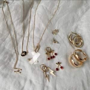 Guldfärgade smycken i olika skick, har ingen aning om kvalitet!😊💕