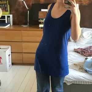 blått linne/klänning! från hm, väldigt somrig blå färg!