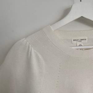 Trendig tröja från Lindex!! Använd en gång🤍