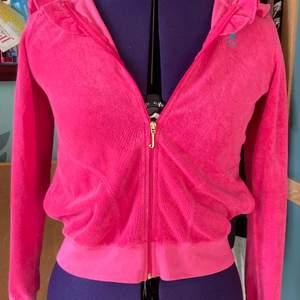 Super snygg rosa Joucy couture tröja! Super fin men kommer tyvärr inte till andvänding längre (intressekollk) (köparen står för eventuell frakt)💕