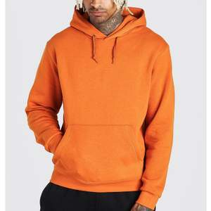 Organge hoodie från Boohoo, fint skick! Den är i herrstorlek S men skulle säga att den är som en xl
