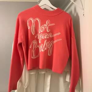 Skitsnygg rosa tröja men kommer knappt till användning. Storlek S 💕💕 Frakt tillkommer