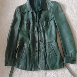 Grön, vintage jacka i skinn